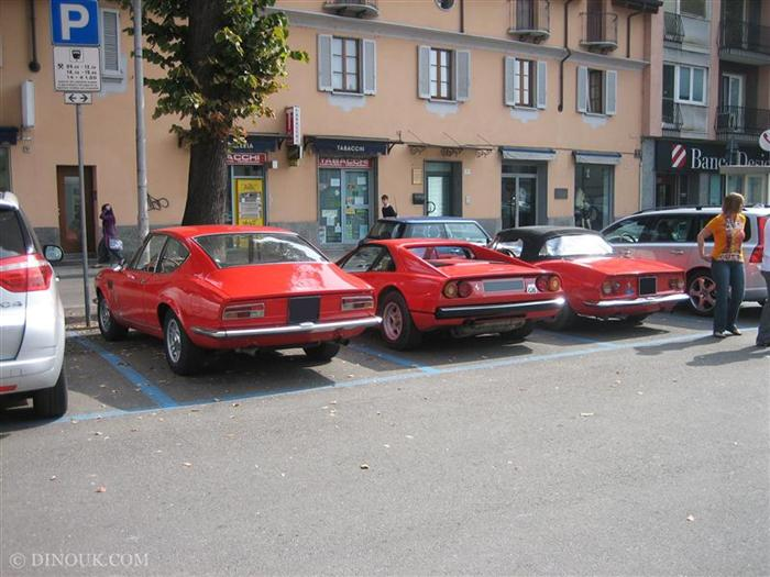 3 red cars